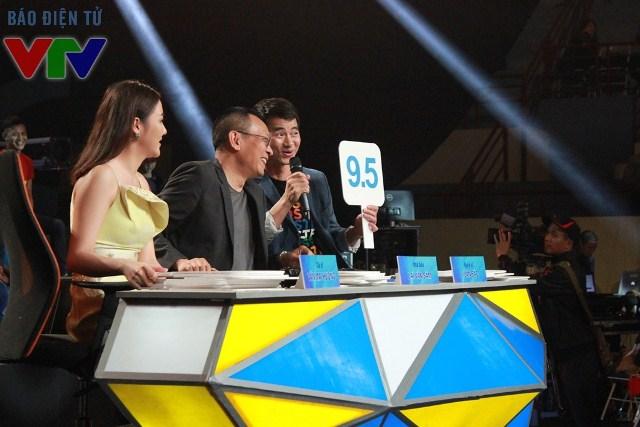 Ba vị giám khảo hài hước, công tâm của SV 2016