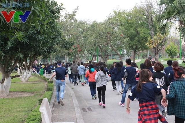 Hàng ngàn bạn trẻ cùng nhau chạy bộ, lan tỏa hành động và ý nghĩa của chiến dịch Giờ Trái đất