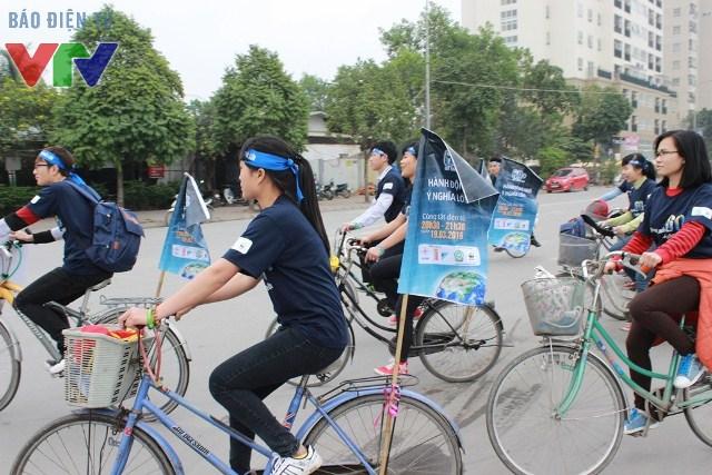 Hàng ngàn học sinh, sinh viên đạp xe để bảo vệ môi trường