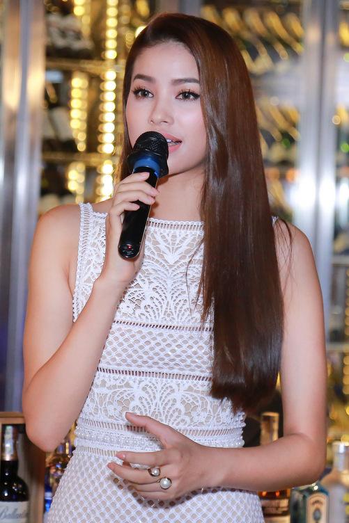 Tại buổi gặp gỡ, Phạm Hương đã chia sẻ về bốn thành viên tại The Face. Cô được các học trò khen là tận tâm, nhiệt huyết và chu đáo với thí sinh.