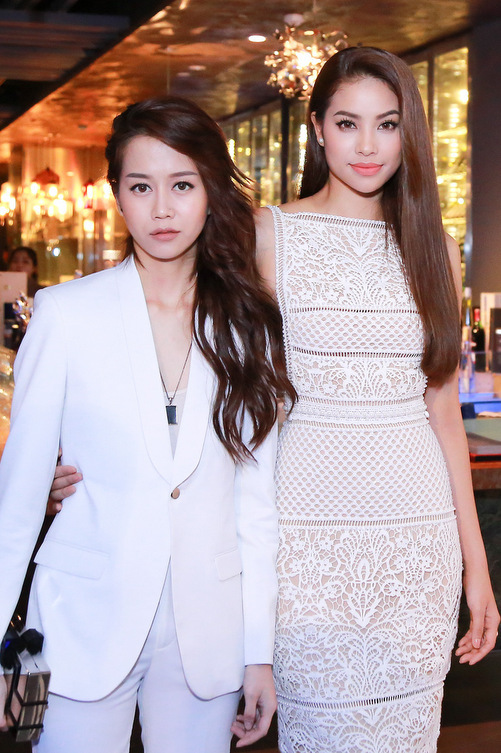 Phạm Hương và An Nguy. Đây là thí sinh được quan tâm trên mạng xã hội nhờ là một hot Vlogger.