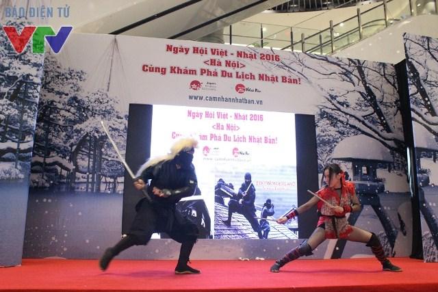 Các Ninja trình diễn những pha hành động với nhiều kĩ năng đặc thù tại ngày hội