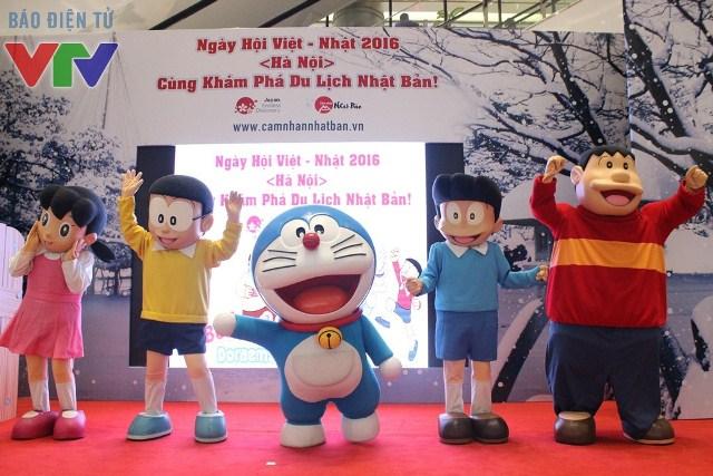 Các bạn nhỏ được gặp gỡ với nhân vật truyện tranh huyền thoại Doraemon