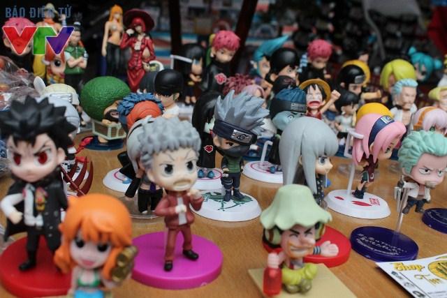 Nhiều món hàng xinh xắn mang đậm văn hóa Nhật Bản được bày bán