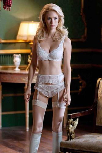 Dị nhân kim cương Emma Frost trong bộ phim X-Men: First Class do nữ diễn viên January Jones thủ vai đốt mắt khán giả bằng những bộ đồ nội y không thể quyến rũ hơn.
