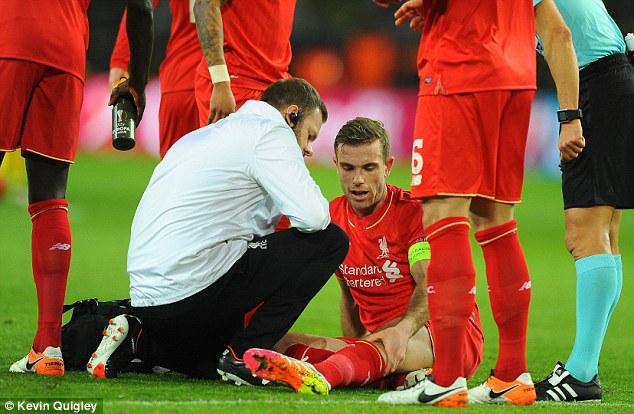 Henderson dính chấn thương đầu gối trong trận gặp Dortmund