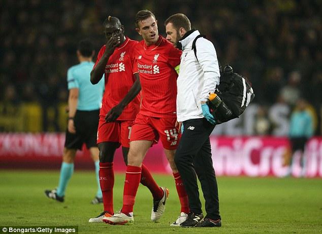 Henderson không thể tiếp tục thi đấu và có thể vắng mặt cả tại VCK Euro 2016