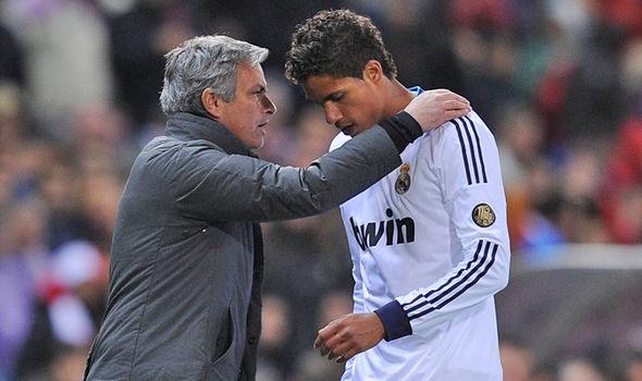 Trung vệ Varane từ chối đoàn tụ Mourinho tại Old Trafford. Ảnh: Marca