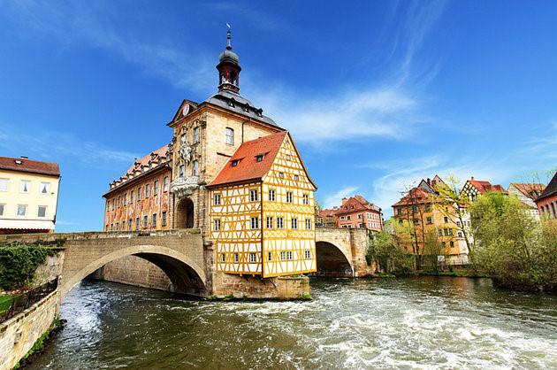 Thị trấn cổ Burgerstadt quyến rũ có rất nhiều nhà thờ xây từ thế kỷ 13. (Ảnh: planetware)