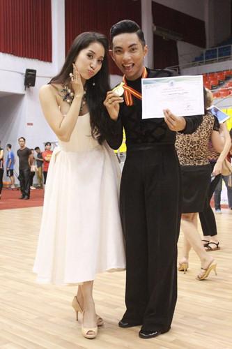 Những năm sau đó, Khánh Thi - Phan Hiển liên tiếp giành được nhiều thành tích cao ở các giải đấu trong nước và quốc tế. Họ trở thành cặp đôi dancesport sáng giá của cả nước.