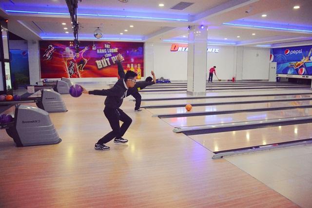 Chơi Bowling cùng nhau sẽ là trải nghiệm mới lạ cho bạn cùng một nửa của đời mình trong ngày Valentine