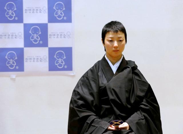 Ni cô Koyu Osawa là người có thế mạnh về thiền định. Ảnh: Reuters