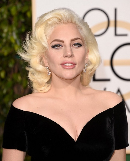 Đối với nữ ca sĩ, đó là vinh dự lớn bởi đây là lần đầu tiên cô được đề cử ở một giải điện ảnh.