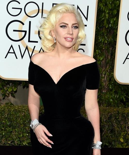 Ở Quả cầu vàng năm nay, Lady Gaga lọt vào đề cử Nữ diễn viên vào vai xuất sắc nhất trong series phim truyền hình American Horror Story: Hotel.