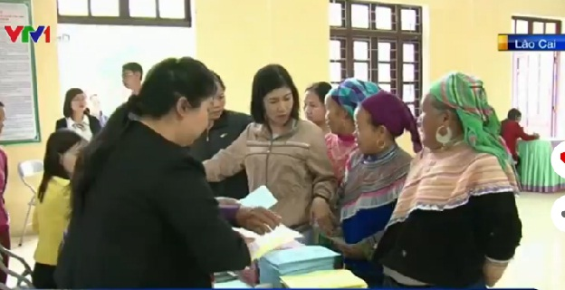Cử tri tỉnh Lào Cai tham gia bỏ phiếu sáng 22/5