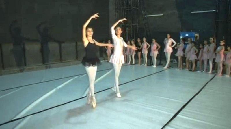 Lớp học Layzin Ballet tại Iraq. Ảnh: Nrttv
