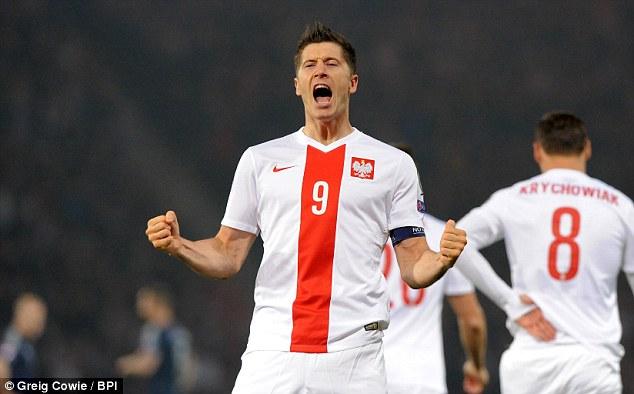 Lewandowski - Chân sút số một tại vòng loại Euro 2016 (Ảnh: AP)