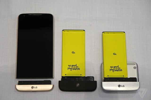 LG G5 sử dụng pin có dạng module, có thể thay thế được