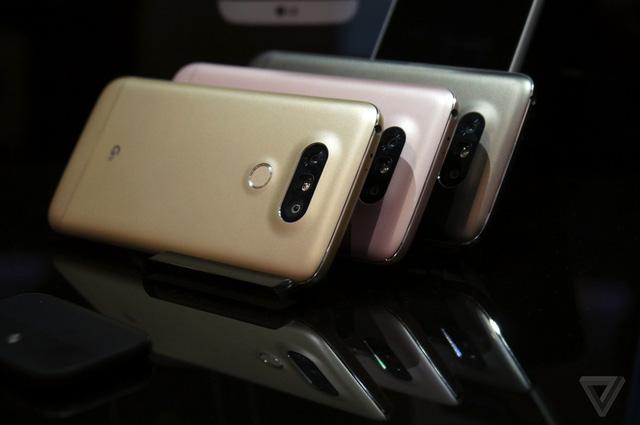 Cụm camera kép phía sau là một trong những điểm nổi bật của LG G5