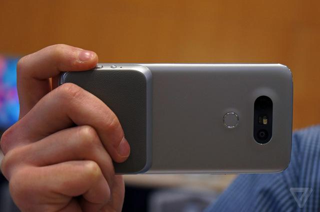 LG G5 trang bị module LG CAM Plus (Ảnh: The Verge)