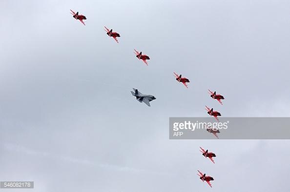 Màn trình diễn máy bay chiến đấu RAF Lockheed Martin F-35B