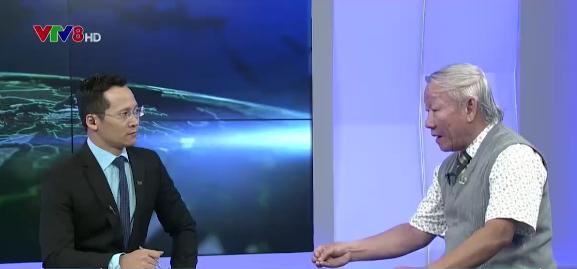 Luật sư Đỗ Pháp (phải) trong cuộc trò chuyện với phóng viên VTV.