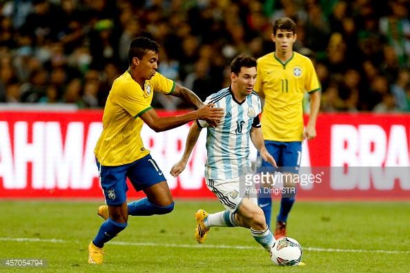 Luiz Gustavo là tiền vệ rất được HLV Dunga trọng dụng. Ảnh: Getty