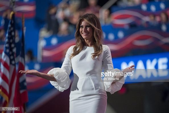 Tuy nhiên, chặng đường trở thành bà chủ Nhà Trắng của bà Melania Trump còn nhiều khó khăn.
