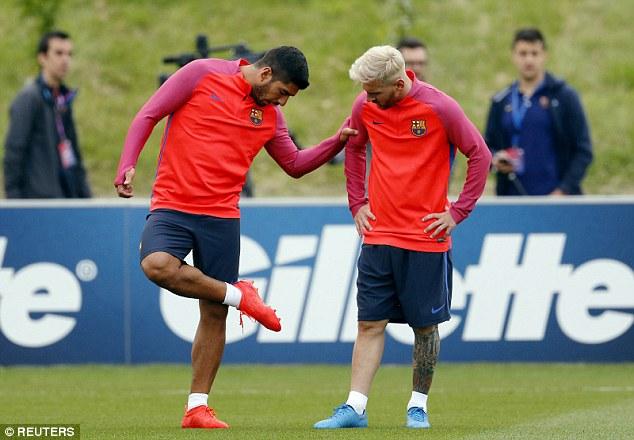 Messi và Suarez góp mặt trong loạt trận giao hữu này của Barca trong khi Neymar vắng mặt vì cùng ĐT Brazil tham dự Olympic. Ảnh: Reuters