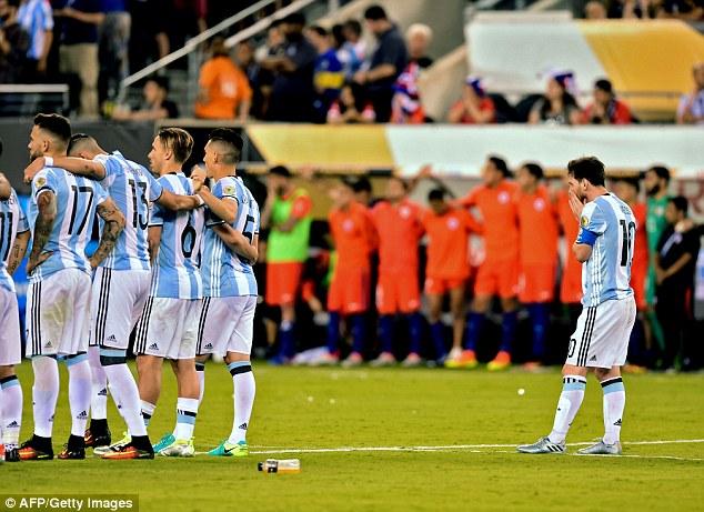 Không chỉ Messi, nhiều đồng đội khác cũng có ý định tương tự sau thất bại ở Copa America 2016.