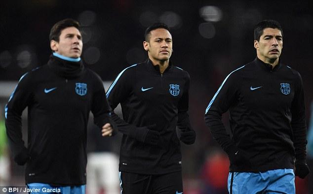 Suarez (phải) là người ghi bàn nhiều nhất trong số bộ ba MSN.