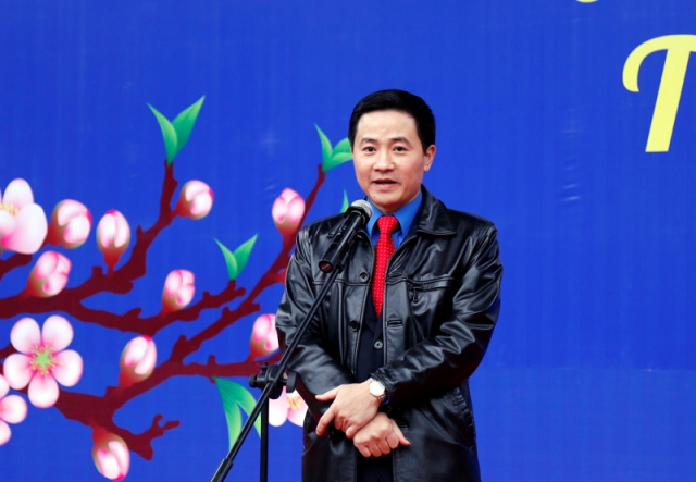 Đồng chí Trần Anh Tuấn - UV BCH Trung ương Đoàn, Phó Bí thư Thường trực Thành đoàn Hà Nội, Chủ tịch Hội đồng Đội thành phố Hà Nội phát biểu tại chương trình