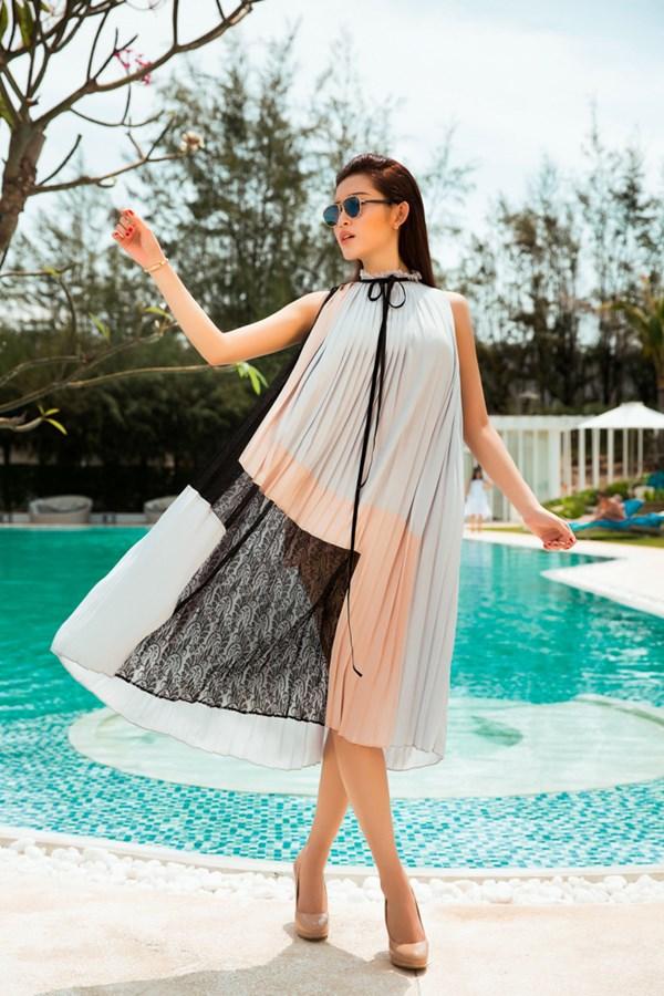 Huyền My hiện đang du học tại Anh về chuyên ngành thiết kế thời trang.