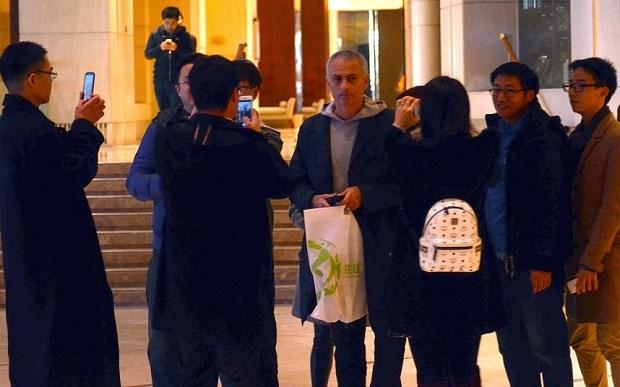 Mourinho có mặt tại Thượng Hải, Trung Quốc