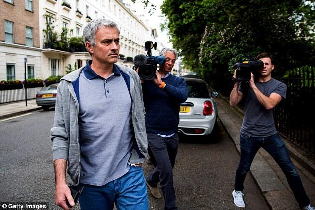 Theo Daily Mail, Man Utd sắp chiêu mộ thành công HLV Mourinho.