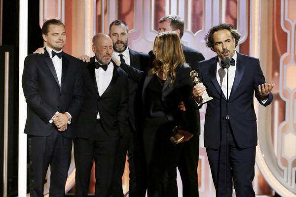 Ê-kíp The Revenant nhận giải Phim điện ảnh xuất sắc của Quả cầu vàng lần thứ 73. (Ảnh: Handout/Getty Images North America)