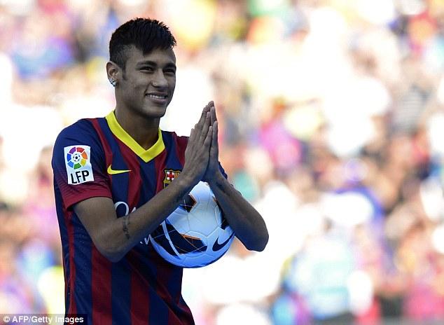 Neymar trong lễ ra mắt Barcelona năm 2013 (Ảnh: Getty Images)