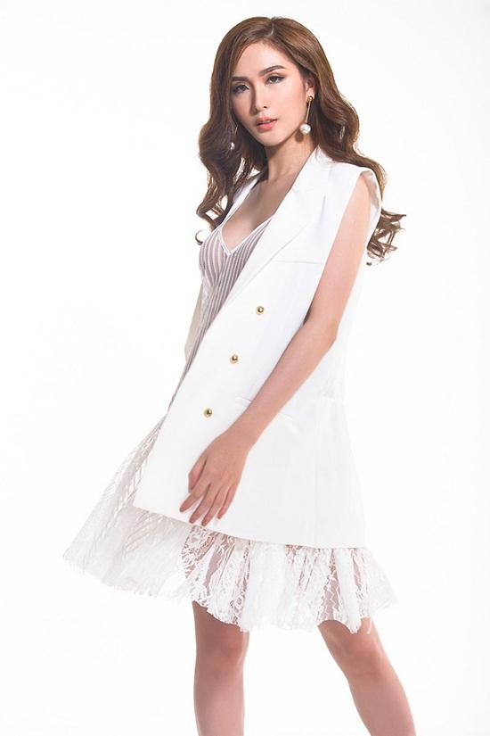 Hiện tại, Ngọc Loan đang cố gắng xây dựng hình ảnh một cô nàng quyến rũ với những thiết kế thời trang đẳng cấp và sành điệu, bắt kịp xu hướng nhưng vẫn có giới hạn.