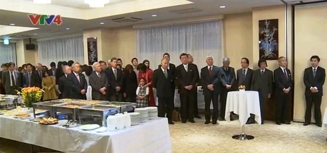 Cán bộ , nhân viên Đại sứ quán Nhật Bản tham dự buổi lễ.