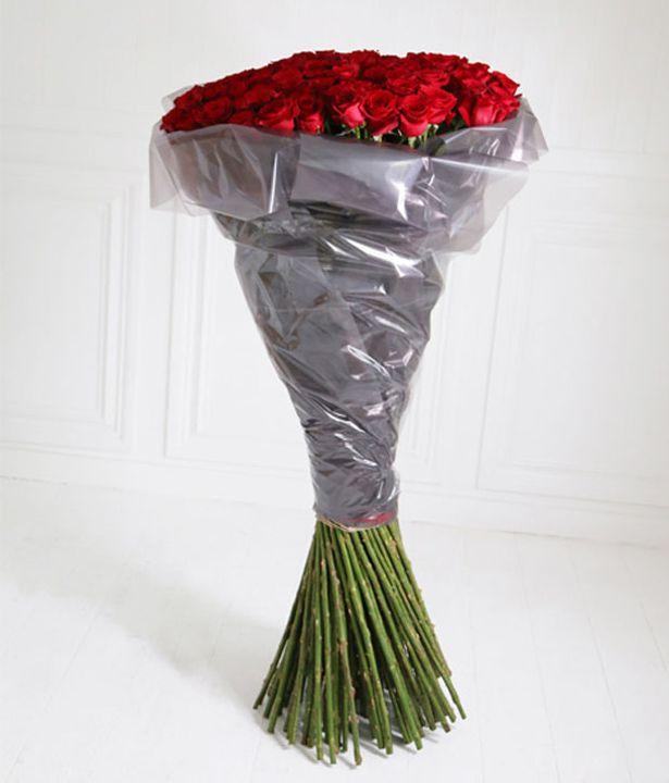 Những bông hồng được trồng trên những dãy núi ở Ecuador cao trên 2.800m so với mặt nước biển nên chúng trở nên đặc biệt