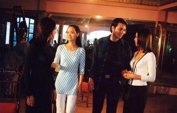 Cho đến khi tham gia Những ngọn nến trong đêm P1 - bộ phim khiến tên tuổi Mai Thu Huyền vang xa, cô vẫn trung thành với kiểu tóc dài quen thuộc.