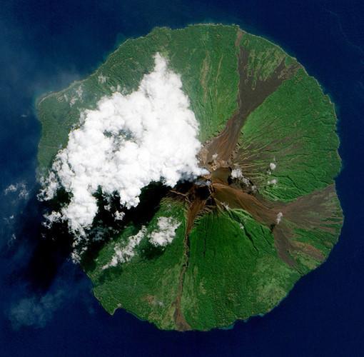 Núi lửa Manam, Papua New Guinea