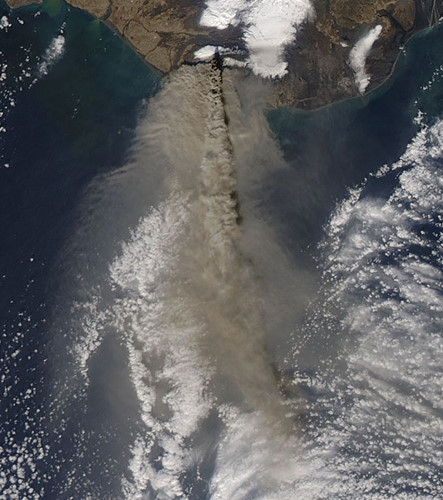 Núi lửa Eyjafjallajökull phun trào ở Iceland