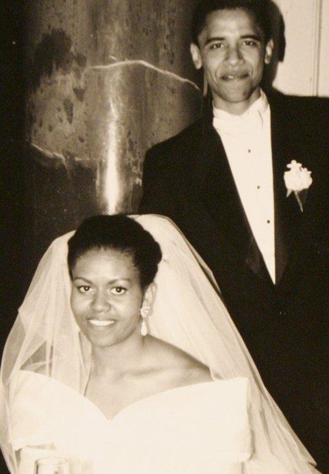 Ông Barack Obama và bà Michelle Obama kết hôn ngày 3/10/1992. Kể từ đây, họ trao cho nhau những tình cảm lãng mãn, ngọt ngào ngay cả trước ống kính máy ảnh.
