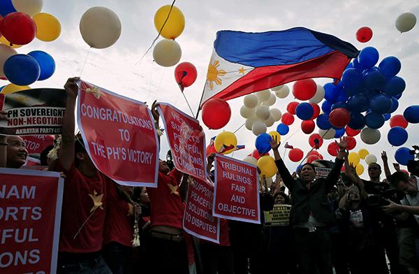 Người dân Philippines ca ngợi phán quyết của PCA