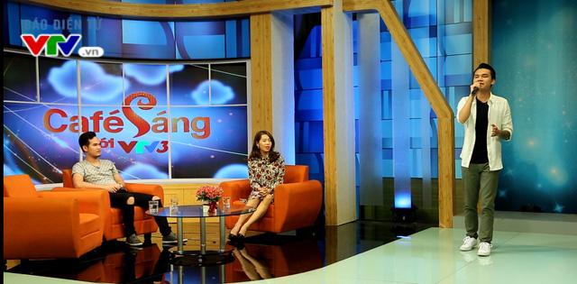 Khắc Việt, Khắc Hưng trong chương trình Café sáng cuối tuần.
