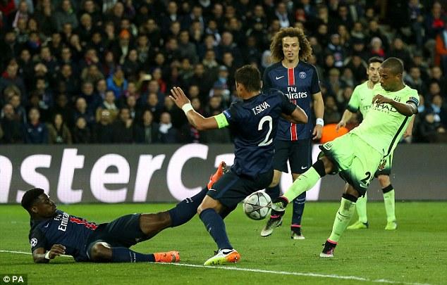PSG của HLV Laurent Blanc chưa đáp ứng được kì vọng tại Champions League