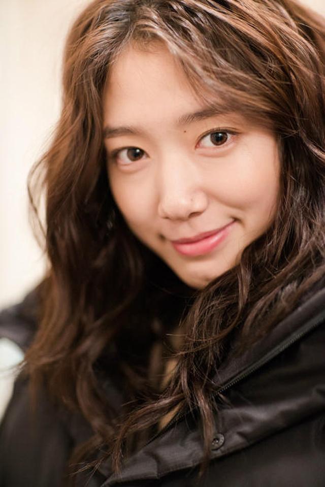 Cận cảnh gương mặt xinh đẹp cùng đôi mắt hút hồn của ngọc nữ màn ảnh Hàn Quốc