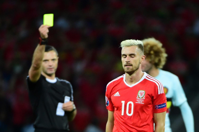 Ramsey sẽ không thể tham dự bán kết EURO 2016 vì án treo giò