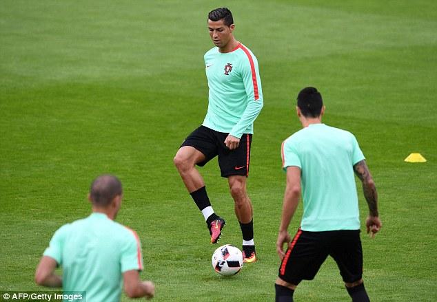 Ronaldo hiện đang được cho là thi đấu dưới phong độ tại EURO 2016.